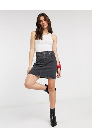 Levi's Levi's Icon high waisted denim skirt in washed black