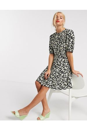 & OTHER STORIES Floral print balloon sleeve flippy dress in black