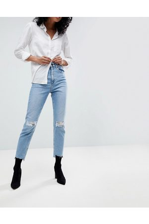 ASOS High rise farleigh 'slim' mom jeans in light vintage wash with busted knee and rip & repair detail-Blue