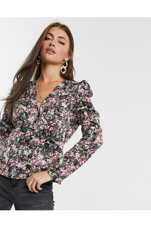 Vero Moda Blouse with puff sleeve in black ditsy floral-Multi