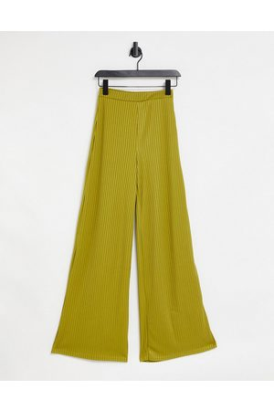 Club L Club L Wide leg trousers in khaki-Green
