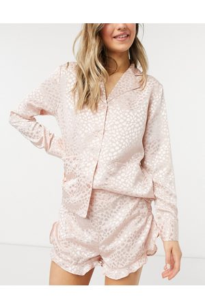 Liquorish Nightwear jacquard pyjama shorts in blush pink