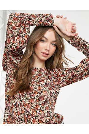 Vero Moda Long sleeve blouse with balloon sleeve in red ditsy floral-Multi
