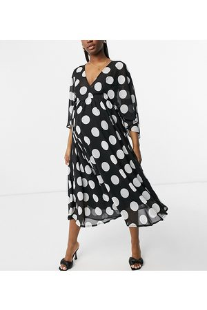 Queen Bee Exclusive fluted sleeve midaxi dress in mono polka print-Multi