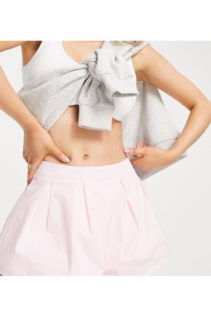 Missguided Shorts with pleat detail in pink