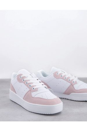 Truffle Collection Kadın Chunky flatform trainers in white and pink