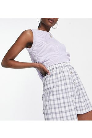 Missguided Co-ord shorts with button placket in grey check-Blue