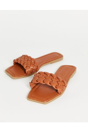 Truffle Collection Square toe flat sliders in tan-Brown