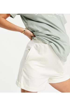 Urban Bliss Turn up shorts in yellow