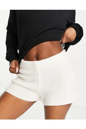 NA-KD Knitted shorts in off white