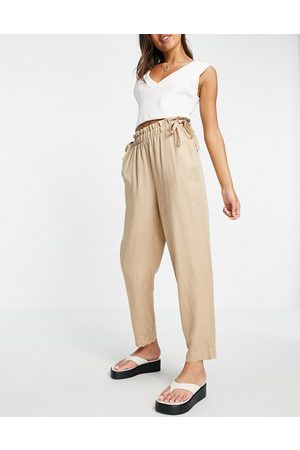 VERO MODA Cigarette trouser with paperbag waist in camel-Brown