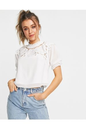 HOPE & IVY Kadın Bluzler - Oversized collar blouse with broderie in ivory-White