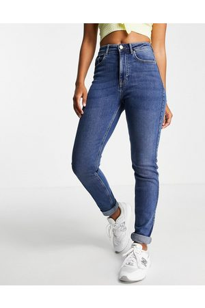 Pieces High waisted slim mom jeans in mid blue wash