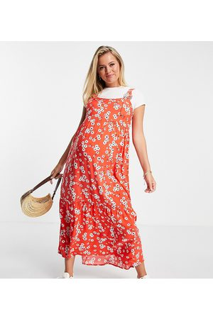 ASOS Maternity ASOS DESIGN Maternity dungaree midi sundress in bubble texture in red floral print-Multi