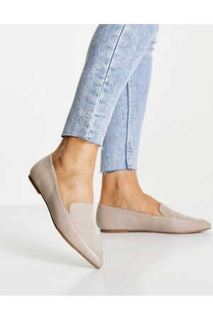 London Rebel Pointed flat loafers in taupe-Grey