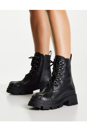 ASOS DESIGN Apex lace up boots with mud guard in black