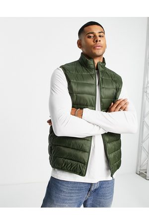 Barbour Bretby gilet with light fibre down fill in olive-Green